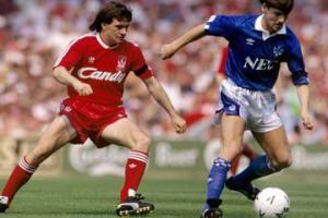 Рэй Хоутон против Пола Брейсвелла (c) Liverpool Echo
