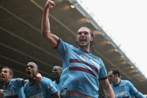 Энди Кэррол и игроки «Вест Хэма» (c) www.mirror.co.uk