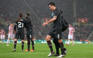 Dejan Lovren hamstring injury (photo by The Telegraph)