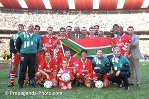«Ливерпуль» и Нельсон Мандела (c) Propaganda-Photo.com