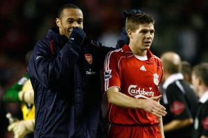 Тьерри Анри и Стивен Джеррард (c) Liverpool Echo