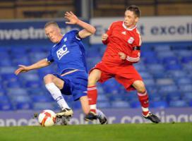 Адам Пеппер в матче полуфинала Молодёжного Кубка Англии против «Бирмингем Сити»