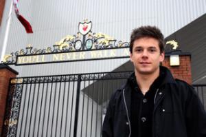Алекс Кацаниклич (c) LiverpoolFC.nu
