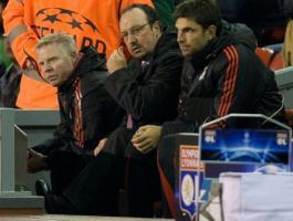 Тренерский штаб «Ливерпуля» в матче против «Лиона» (c) Daily Mail