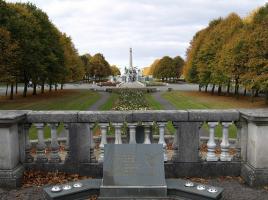 Мемориальный сад Хиллсборо (c) Тони Уоррел