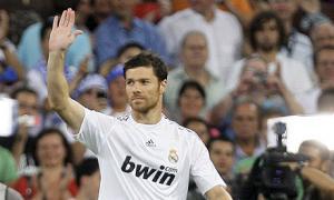 Шаби Алонсо приветствует болельщиков «Реала»