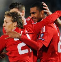 Давид Нгог, Лукас Лейва и Стивен Джеррард (c) LiverpoolFC.tv
