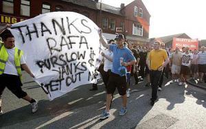Болельщики «Ливерпуля» протестуют против американских владельцев (c) Telegraph