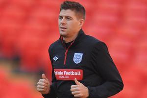 Стивен Джеррард на тренировке сборной Англии (c) Zimbio