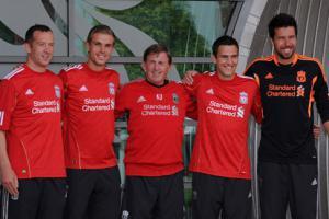 Адам, Хендерсон, Далглиш, Даунинг и Дони (c) LiverpoolFC.tv