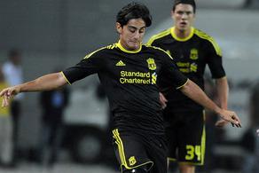 Альберто Аквилани в матче Лиги Европы