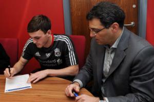 Джек Робинсон и Дэмьен Комолли (c) LiverpoolFC.tv