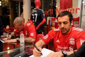 Мартин Шкртел и Хосе Энрике (c) LiverpoolFC.tv