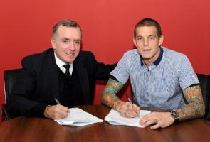 Даниэль Аггер подписывает новый контракт с клубом (c) LiverpoolFC.com