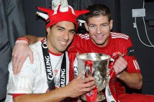 Луис Суарес и Стивен Джеррард (c) LiverpoolFC.tv