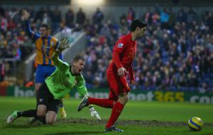 Луис Суарес забивает «Мансфилд Таун» (c) LiverpoolFC.com