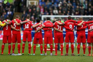 Минута молчания в матче «Рединг» — «Ливерпуль» (c) LiverpoolFC.com