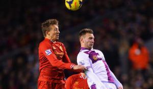 Лукас Лейва в матче против «Астон Виллы» (c) LiverpoolFC.com