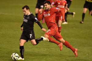 Эмре Джан в матче против «Бёрнли» (c) Liverpool Echo