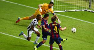 Луис Суарес забивает в финале Лиги чемпионов (c) Sky Sports