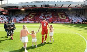Стивен Джеррард с дочерьми (c) LiverpoolFC.com