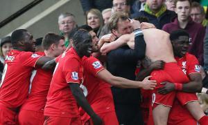 «Ливерпуль» празднует гол Адама Лалланы (c) Reuters