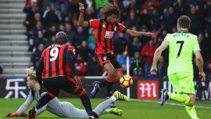 Лорис Кариус в матче против «Борнмута» (c) Sky Sports