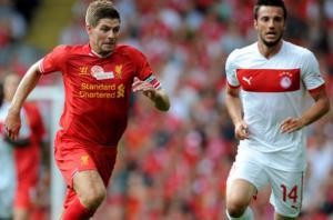 Стивен Джеррард в товарищеском матче против «Олимпиакоса» (c) LiverpoolFC.com