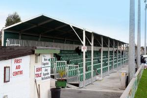 Фото стадиона «Брей Уондерерс» - «Карлайл Граундс»