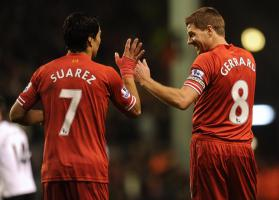 Луис Суарес и Стивен Джеррард (c) LiverpoolFC.com