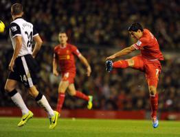 Луис Суарес в матче против «Норвич Сити» (c) LiverpoolFC.com