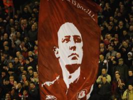 Фото Рафаэля Бенитеса на флаге (с) i-luv-football.blogspot.com