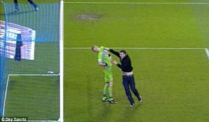 Фотография Криса Керклэнда во время матча с «Лидс Юнайтед»