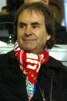 Крис де Бург в шарфе «Ливерпуля»