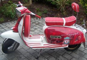 Скутер Liverpool FC (c) NewsBlaze.com