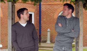 Майкл Оуэн и Джейми Каррагер (c) Express.co.uk