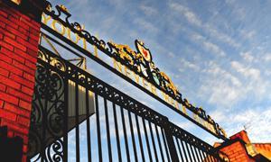 Ворота Шенкли (c) Liverpool Echo
