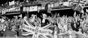Фотография фанатов Ливерпуля в Париже, 1981 (c) metro.co.uk