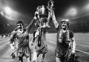 Терри Макдермотт и Кенни Далглиш (c) LiverpoolFC.com