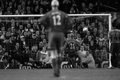 Гари Макаллистер забивает «Барселоне» (c) LiverpoolFC.tv