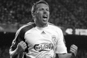 Крйэг Беллами празднует гол в ворота «Барселоны» (c) LiverpoolFC.com