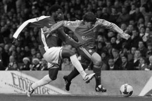 Эмилиано Инсуа в матче против «Арсенала»