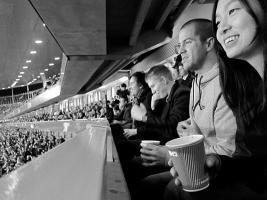 Болельщики «Арсенала» на стадионе «Эмирейтс» (c) producerconsumer.com