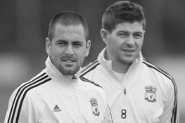 Джо Коул и Стивен Джеррард (c) LiverpoolFC.tv