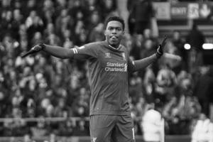 Дэниел Старридж празднует гол в ворота «Эвертона»