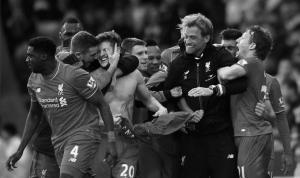 Игроки «Ливерпуля» и Юрген Клопп празднуют (c) BelfastTelegraph.co.uk