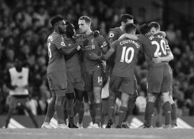 Игроки «Ливерпуля» празднуют гол (c) Getty