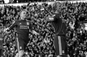 Крэйг Беллами и Дирк Кёйт (с) www.futbolred.com