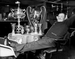 Боб Пэйсли с трофеями «Ливерпуля» (c) Barry Farrell