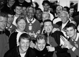 Ливерпуль и Нельсон Мандела (с) http://www.liverpoolfc.com